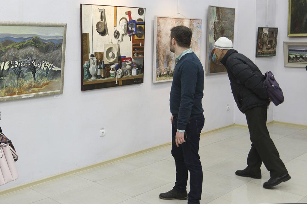 Каким увидели 2019-й год художники «Приморья»?