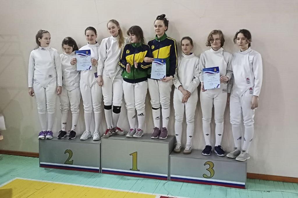 Кубок Находки по фехтованию разыграли в спортивной школе «Юниор»