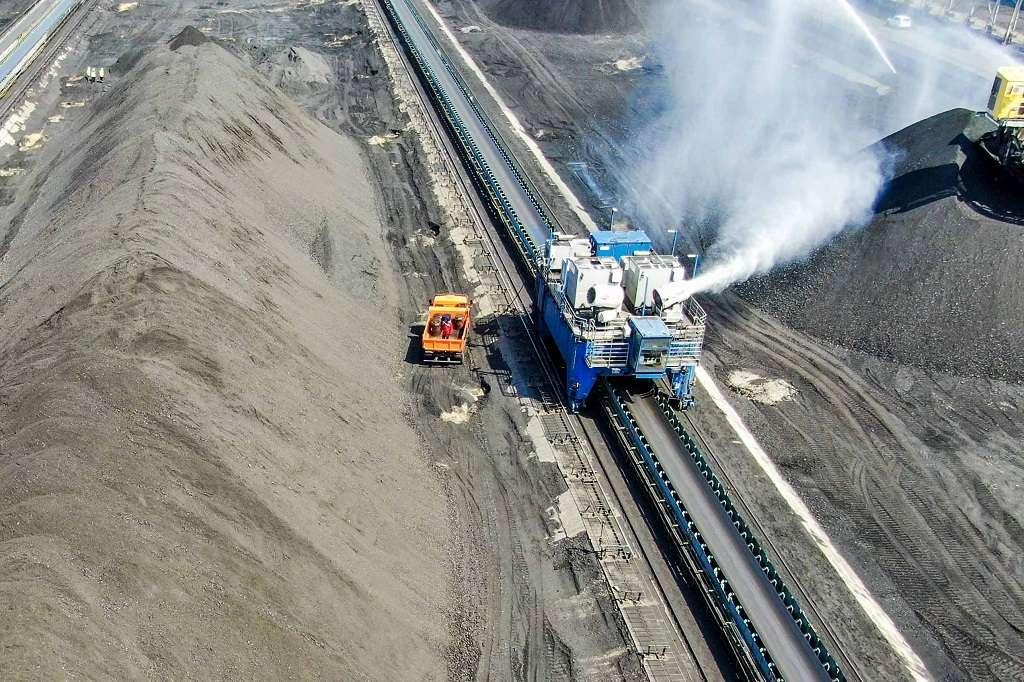 Уникальная технология АО «Восточный Порт» по пылеподавлению доказала свою эффективность