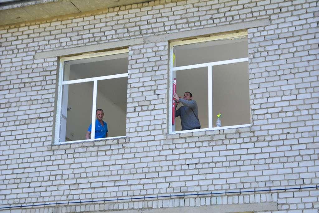 Новые окна устанавливают в учреждениях образования Находки