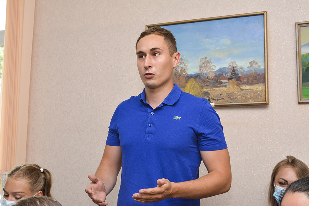 Волонтёрские инициативы обсудили за круглым столом в Находке
